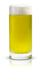 The Kelly Green is a beer-based green colored drink made from New Amsterdam Gin, Midori melon liqueur and light beer, and served in a chilled beer glass.