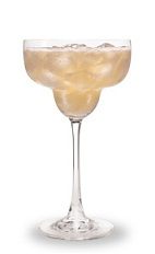 The Nectaria is made from peach schnapps, triple sec, tequila and sour mix, and served over ice in a margarita glass.